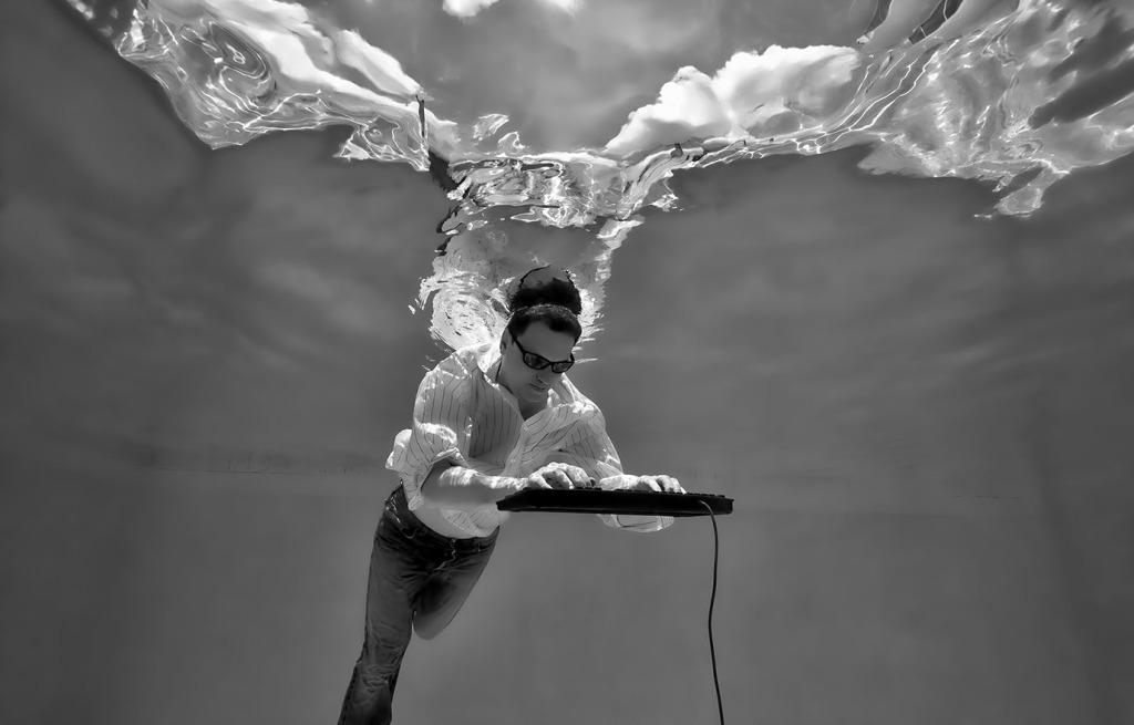 Brainstorm. Photography under Water.
